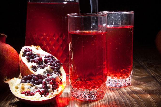 гранатовый сок в графине