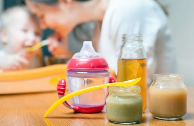 баночки с питанием малыша