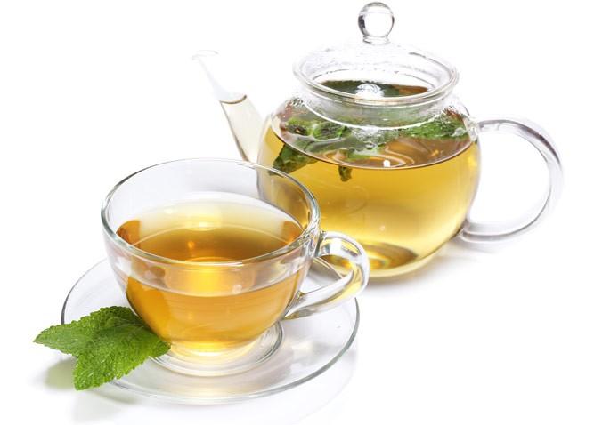 чай со свежими мятными листочками
