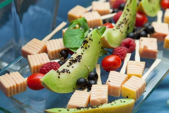 Свежие фрукты и ягоды или фруктоза — что лучше