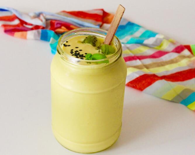 коктейль с тофу манго и бананом